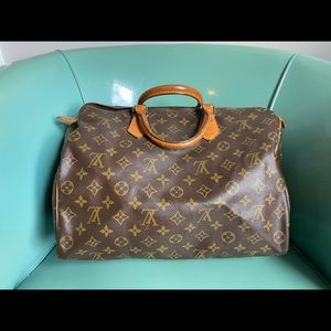 Authentic Louis Vuitton speedy 35 monogram